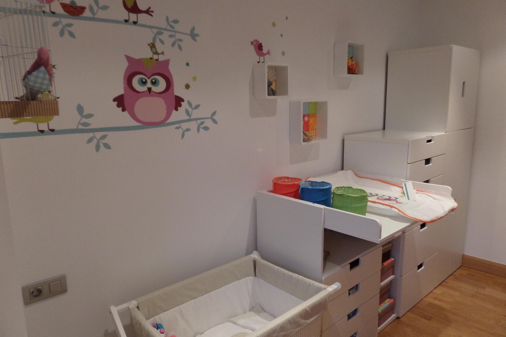 Dormitorio de beb en blanco ad interior design Disenar habitacion ikea